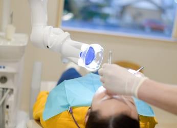 口腔外バキュームを全診療台に設置
